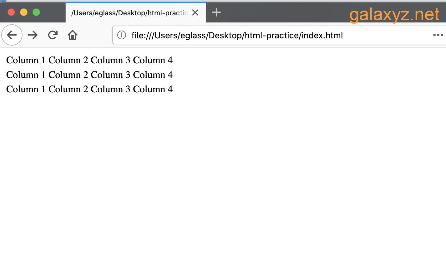 Bảng hiển thị trang web có ba hàng và bốn cột